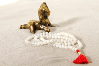 Mala prayer beads - white agate